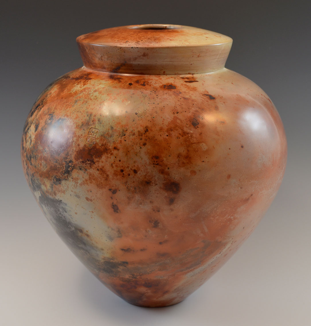Saggar-fired white earthenware clay